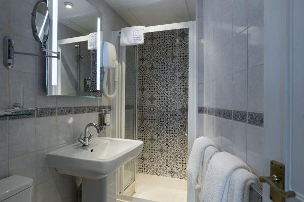 kennard shower