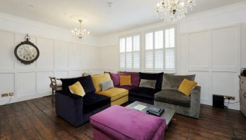 bath town house comfortable seating