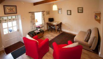weston lawn sofa red