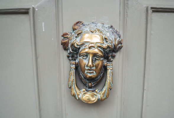 henrietta door knocker