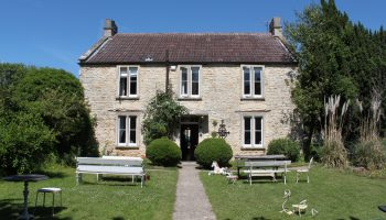 fosse farm house outside