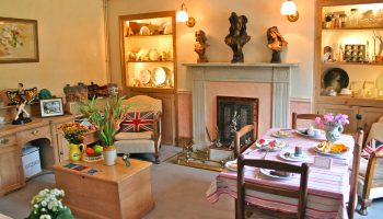 fosse farm house drawing room