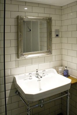 bath town house 3rd floor wet room