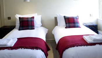 bath town house tartan king bedroom