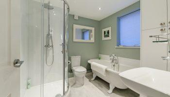 hedgemere court bathroom 2