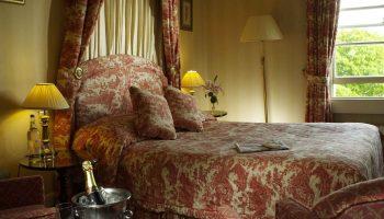 windsor townhouse bedroom