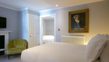 eight bedroom