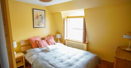 cosy one bed yellow